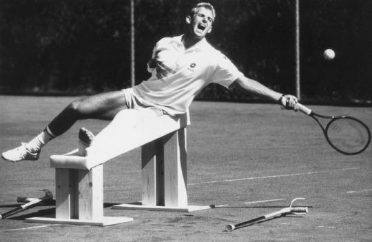 muster tennis infortunio ginocchio
